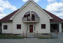 22. Sztukateria elewacyjna Decor System.