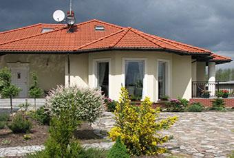 Jednopoziomowyy dom z kolumnami prostymi 1