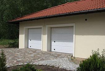 Jednopoziomowyy dom z kolumnami prostymi 2