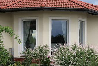 Jednopoziomowyy dom z kolumnami prostymi 4