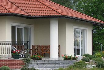 Jednopoziomowyy dom z kolumnami prostymi 5
