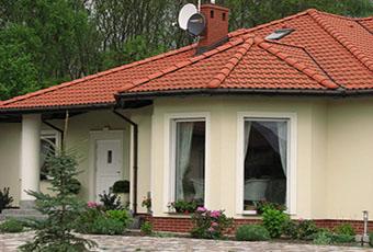 Jednopoziomowyy dom z kolumnami prostymi 6