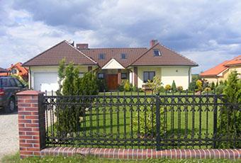 Klasyczna fasada z listwami elewacyjnymi 5