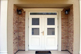 Elegancka fasada z pilastrami elewacyjnymi 2