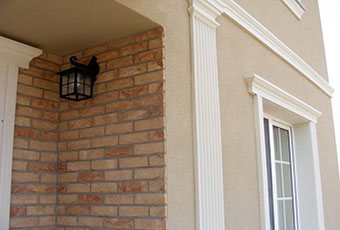 Elegancka fasada z pilastrami elewacyjnymi 7