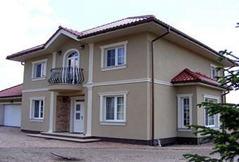 Elegancka fasada z pilastrami elewacyjnymi 8