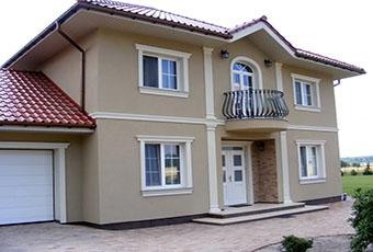 Elegancka fasada z pilastrami elewacyjnymi 10