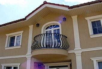 Elegancka fasada z pilastrami elewacyjnymi 13