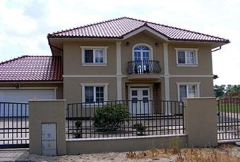 Elegancka fasada z pilastrami elewacyjnymi 16