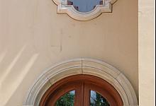 lukarna i okno łukowe